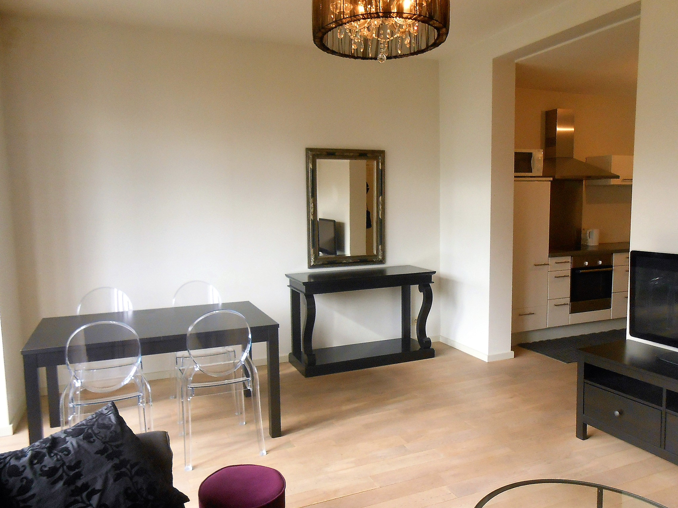 Brussels center - Furnished 1BR - Metro+Station ...