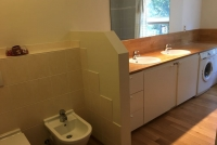 Another picture of the bathroom